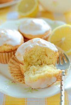 Babeczki jogurtowo-cytrynowe Sweets Recipes, Baking Recipes, Delicious Desserts, Yummy Food, Dessert Drinks, No Bake Cake, My Favorite Food, Cupcake Cakes, Cupcakes