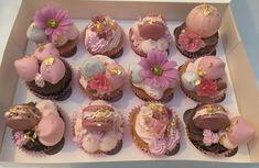 Luxury Macaron, Meringue, Chocolate Sphere & Flowers Cupcakes    -      Minimum order 24 Cupcakes Meringue, Dublin, Macarons, Barrel, Ireland, Cupcakes, Chocolate, Luxury, Merengue