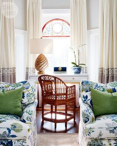 A lively tableau under this living room's original stained glass window features the glitz and glamour associated with Hollywood Regency decor. See more of this Palm Beach-inspired home — link in bio. Formal Living Rooms, Living Room Decor, Living Spaces, Retro Home Decor, Diy Home Decor, Home Interior, Interior Design, Décor Antique, Chinoiserie Chic