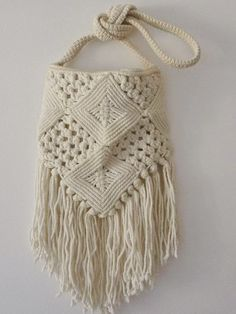 DIY Macrame Bag Ideas: You just don't tell me you still haven't heard of macramé stuff… this is basically the art of knotting string in patterns to make decorative articles. Macrame Purse, Macrame Dress, Macrame Knots, Vintage Hippie, Hippie Boho, Vintage 70s, Macrame Plant Hanger Patterns, Macrame Patterns, Crochet Patterns