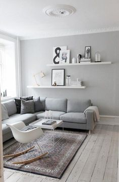Kleine Wohnung – was nun? & Sweet Home Kleine Wohnung – was nun? & Sweet Home The post Kleine Wohnung – was nun? Minimalism Interior, Room Inspiration, Living Room Scandinavian, Apartment Living, Living Room Designs, Interior, Living Room Grey, Small Rooms, Home Staging