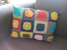 #handicraft #hækle #crochet #great-grandmothersquares #oldemorsfirkanter #artandcrafts #pillow #pude