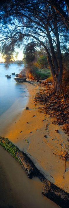 Idyllic beach in Dawesville, Western Australia • photo: Christian Fletcher