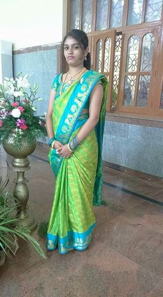 Indian Natural Beauty, Indian Beauty Saree, Beautiful Girl Indian, Beautiful Saree, Beautiful Women, Actress Priya, Indian Girl Bikini, Aunty In Saree, Indian Wife