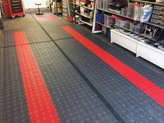 Garage floor - Bergo Royal - picture from a satisfied customer Garage House, Tile Floor, Tiles, Flooring, Storage, Business, Diy, Home, Room Tiles