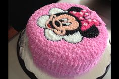 Minnie Mouse cake Minni Mouse Cake, Minnie Mouse Birthday Cakes, Birthday Cake Girls, Bolo Minnie, Minnie Cake, Fancy Cakes, Cute Cakes, Cake Decorating Videos, Character Cakes