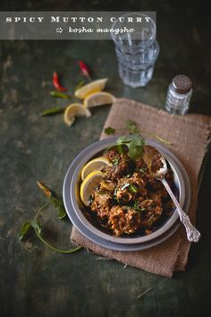 Slow cooked flavorful spicy mutton curry, called Kosha Mangsho in India. Lamb Recipes, Curry Recipes, Indian Food Recipes, Soup Recipes, Cooking Recipes, Ethnic Recipes, Microwave Recipes, Mutton Meat, Mutton Curry Recipe