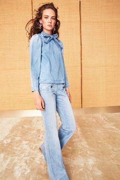 Ulla Johnson Resort 2018 collection, runway looks, beauty, models, and reviews.