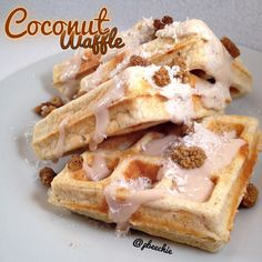 Coconut Waffle  Serves: 1      1/3 cup raw old fashioned rolled oats     1/2 scoop coconut cream pie whey protein (from truenutrition.com, or vanilla)     2 egg whites     1/4 cup lowfat cottage cheese     1/2 tsp baking powder     1/2 tsp coconut extract     1 stevia packet