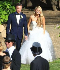 Aaron Paul & Lauren Parsekian from Celebrity Weddings The Breaking Bad star tied the knot with his ladylove over Memorial Day Weekend 2013 in Malibu's Calimigo Ranch. Tuxedo Wedding, Wedding Groom, Wedding Suits, Wedding Attire, Wedding Dresses, Wedding Reception, Aaron Paul Wedding, Wedding Gallery, Wedding Photos