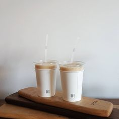 New post on considers Coffee Milk, Milk Tea, My Coffee, Morning Coffee, Aesthetic Coffee, Aesthetic Food, Coffee Cafe Interior, Asian Cafe, Coffee Shop Photography