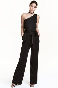 Sleeveless, one-shoulder jumpsuit in airy, glossy jersey. Elasticized seam and tie belt at waist, side pockets, and straight legs. Couture Mode, Style Couture, Couture Fashion, Jumpsuit Dress, Black Jumpsuit, Style Androgyne, Sun Dress Casual, New Outfits, Fashion Outfits