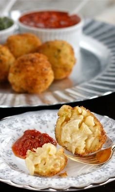 Crispy Macaroni and Cheese Ball Appetizers | The Hopeless Housewife