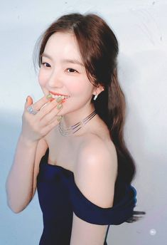 Discover recipes, home ideas, style inspiration and other ideas to try. Seulgi, Sooyoung, Korean Girl, Asian Girl, Red Velvet Photoshoot, Red Valvet, Red Velvet Irene, Girl Crushes, Pretty People