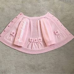 Brazilian Crochet And Handicraft Baby Cardigan Knitting Pattern Free, Baby Sweater Patterns, Baby Girl Patterns, Baby Hats Knitting, Baby Knitting Patterns, Baby Pullover Muster, Vestidos Bebe Crochet, Baby Girl Sweaters, Baby Coat