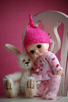 nappy choo with her bunny
