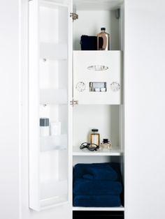 I väggskåpet finns det gott om plats för alla dina prylar 2884c22489fb1