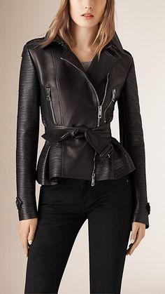 Schwarz Bikerjacke aus Leder mit Streifennahtdetail - Bild 1