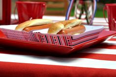 hot dog tray #tutorial - it may be too late for 4th of july, but there's still some summer left. also - star bunting and more.