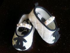 gumpaste baby shoe cake topper