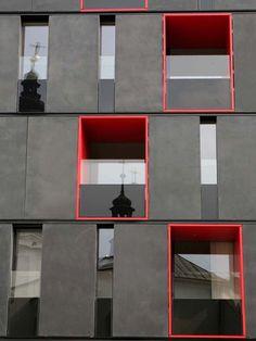 Strukturierte Platten aus Glasfaserbeton - 2.500 m² Betonplatten als hinterlüftete, vorgehängte Fassade an der City Gate im tschechischen Ostrava