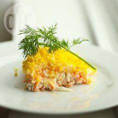 Russischer Schichtsalat (Mimosa Salat) @ de.allrecipes.com Mimosa Salad, Tasty, Yummy Food, Russian Recipes, Main Meals, Allrecipes, Great Recipes, Entrees, Cravings