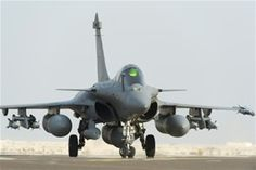 Informando24Horas.com: EEUU bombardea posiciones del Estado Islámico en l...