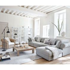 Blue Living Room Decor - What's the color for mental health? Blue Living Room Decor - What are the new colors for # bluelivingroomdecor # roomdecor # diningroomdecorideas Living Room Sectional, Living Room Grey, Home Living Room, Grey Room, Charcoal Sofa Living Room, Living Room Lamps, Corner Sofa Living Room, Living Room Furniture Layout, Elegant Living Room