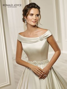 9219ff6a7e57 28 Best Ronald Joyce Wedding Dresses images in 2019