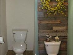 "Free Tutorials from Tip Junkie -  -""Pallet Wall in Bathroom"""