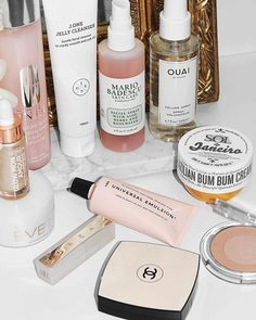 Beauty essentials Pink Bathroom Chanel Beauty products Clinique Skin care Inspiration More on Fashionchick Beauty Essentials, Beauty Hacks, Beauty Advice, Beauty Skin, Beauty Makeup, Beauty Care, Full Makeup, Drugstore Beauty, Makeup Goals