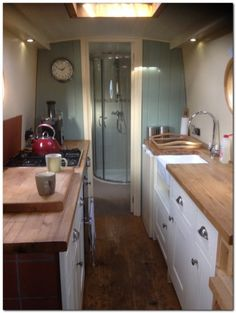 Houseboat Interiors Ideas (43) Yacht Luxury, Canal Boat Interior, Yacht Interior, Narrowboat Interiors, Narrowboat Kitchen, Houseboat Living, Houseboat Ideas, Living On A Boat, Sailboat Living