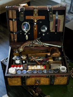 "DIY geek on ""Vampire Hunting Kits, Century"" Werewolf Hunter, Vampire Hunter, Vampires, Ora Et Labora, Steampunk, Halloween Vampire, Halloween Coffin, Monster Hunter, Larp"