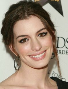 Anne Hathaway-Friends Without A Border charity event