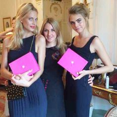 Check out our celebrity beauty and contouring expert Amanda Harrington with Cara and Poppy Delevigne!