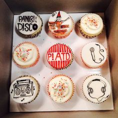P!ATD cupcakes! Can someone make me these? Pretty please? No? I'll just make them myself xD