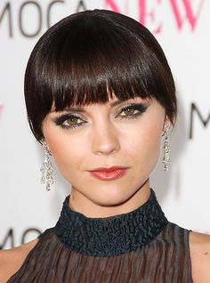 Christina Ricci Short Hairstyle with Bangs 2012 Medium Short Hair, Short Hair With Bangs, Short Black Hairstyles, Medium Hair Styles, Short Hair Styles, Christina Ricci, Seinfeld, Actress Christina, Wedding Advice