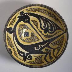 Bowl, Iran, Nishapur, 10th century. Earthenware, underglaze slip-painted