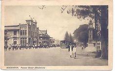Pasar Besar Surabaya (sekarang jl.   pahlawan) (collectie Ted Grashuis) | Stichting Adinda