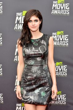 Alexandra Daddario Photos - Actress Alexandra Daddario arrives at the 2013 MTV Movie Awards at Sony Pictures Studios on April 2013 in Culver City, California. - Arrivals at the MTV Movie Awards 4 Beautiful Female Celebrities, Gorgeous Women, Alexandra Daddario Images, Non Blondes, Hollywood Actresses, Hollywood Heroines, Celebrity Style, Lady, Beauty