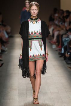 Valentino Spring 2014 Ready-to-Wear Fashion Show - Anna Ewers (Women)