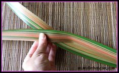Have you heard of flax flowers? Not sure how to make them? Read on to see a step by step guide on how to make this beautiful flower that last a long time. Flax Flowers, Diy Flowers, Flower Diy, Flax Weaving, Basket Weaving, Palm Frond Art, Palm Fronds, Flax Plant, Maori Designs
