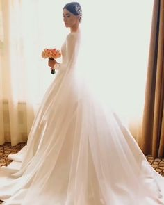 30 Cute Modest Wedding Dresses To Inspire ❤ modest wedding dresses simple a line with long sleeves vivabride Wedding Dress Bustle, Wedding Dress Trends, Modest Wedding Dresses, Bridal Dresses, Wedding Gowns, 2 In 1 Wedding Dress, Gift Wedding, Wedding Bride, Simple Wedding Dress With Sleeves