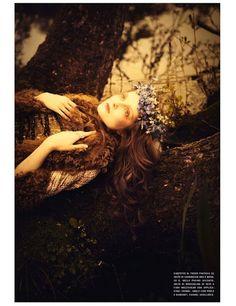 Once upon in a Fairytale - Pre-raphaelite inspiration. Eniko Mihalik by Ellen von Unwerth for Vogue Italia July 2012