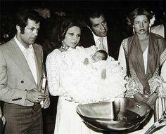 ROCIO JURADO - 3El día que bautizó a su hija, fruto de su matrimonio con el desaparecido Pedro Carrasco (izquierda).