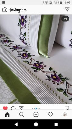 Bed Cover Design, Filet Crochet, Bed Covers, Bed Sheets, Diy And Crafts, Throw Pillows, Embroidery, Decoration, Table Clothes