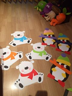 penguins and bears Christmas Door Decorations, Christmas Art, Birthday Party Decorations, Christmas Ornaments, Summer Crafts, Holiday Crafts, Diy And Crafts, Paper Crafts, Winter Art