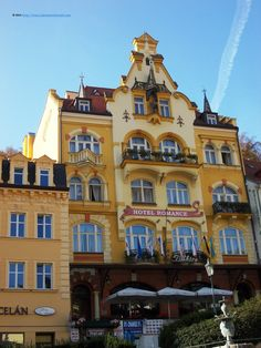 Hotel Romance Puskin is hosted in a 1899 Jugendstil building, close to the Thermal spa. It offers a variety of rooms categories, free WLAN and a sommer restaurant serving local and international cuisine.