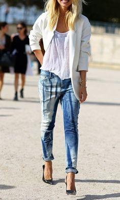 Bleached boyfriend jeans.
