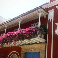mais cor, mais flor, mais amor, por favor. (Cartagena)